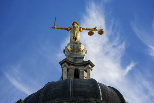 court lady justice old bailey.jpg